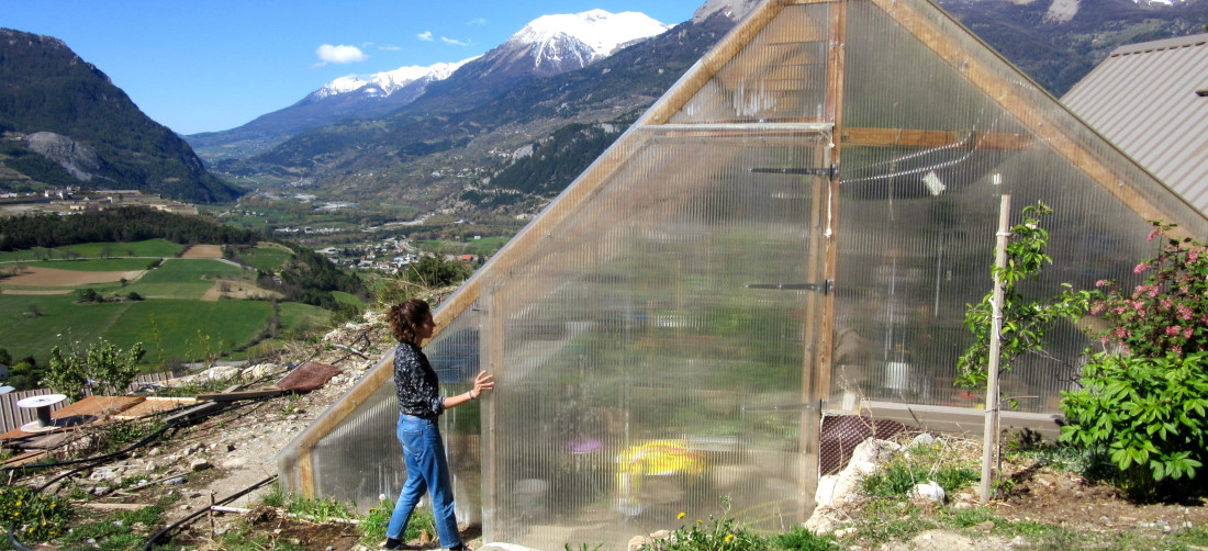 Under the sun of Provence, bioclimatic greenhouses for independent, ecologically responsible farming