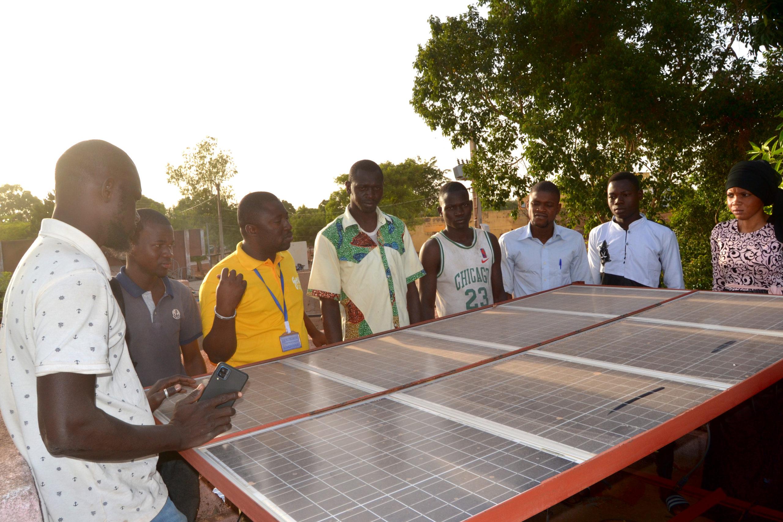 Le Geres invité à un festival malien pour sensibiliser à l'énergie photovoltaïque, source d'espoir en milieu rural