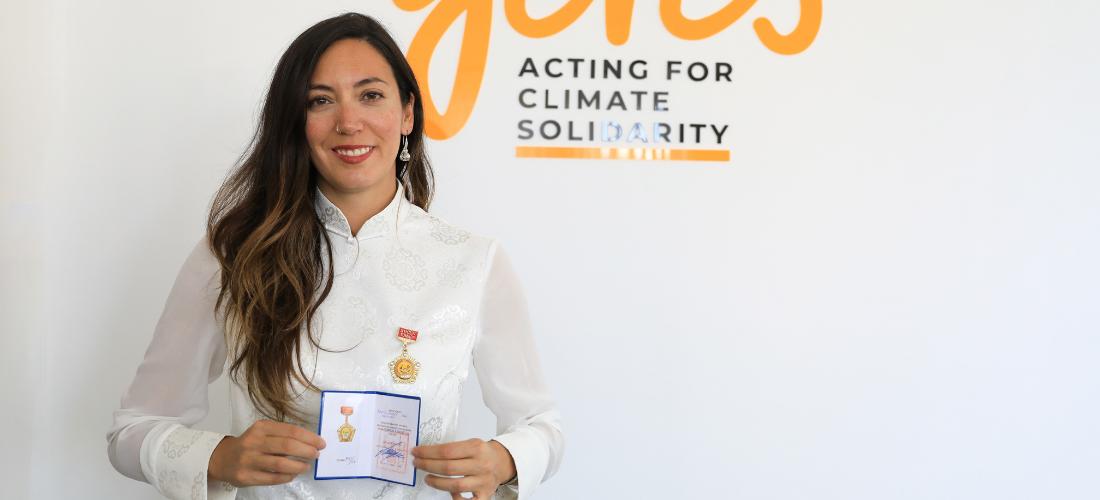 Beatriz Maroto Izquierdo, représentante Mongolie au Geres reçoit la «médaille d'honneur» de la province d'Arkhangai